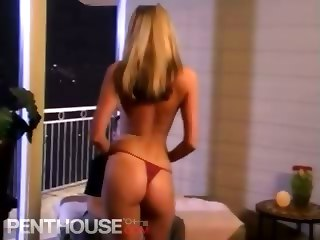 Sexy Tall Babe Sucking A Big Cock And Getting Fucked Hard